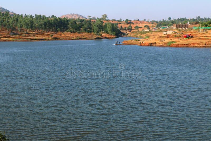 Lago Surgana in Dist Nashik, Maharshtra, India fotografia stock