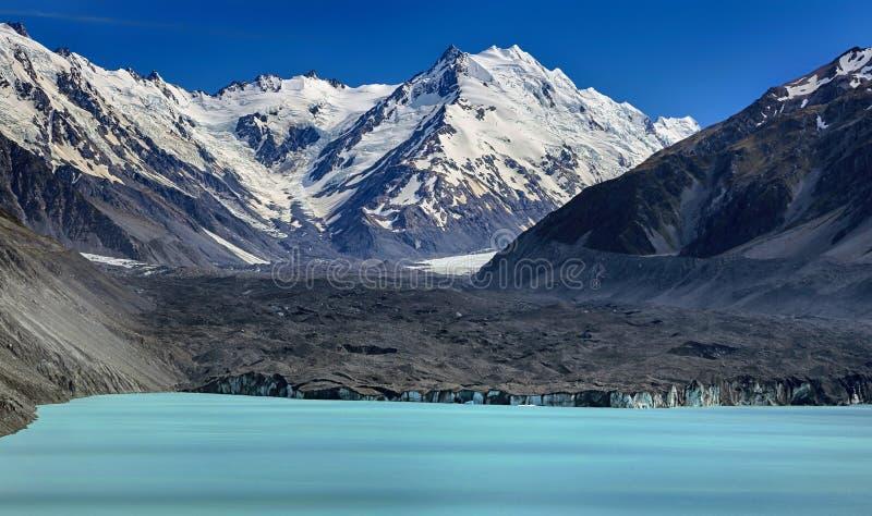 Lago Tasman con il ghiacciaio di Tasman, Nuova Zelanda fotografie stock libere da diritti