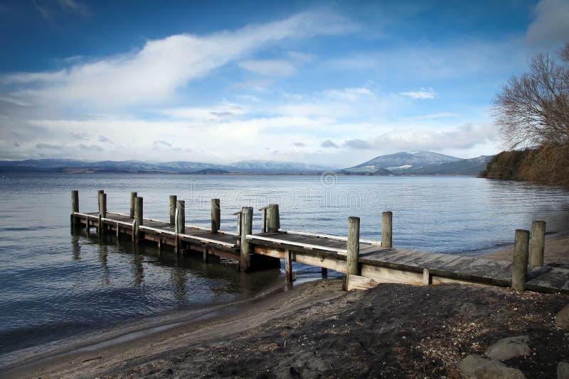 Lago Taupo Nuova Zelanda - molo di Omori fotografia stock libera da diritti