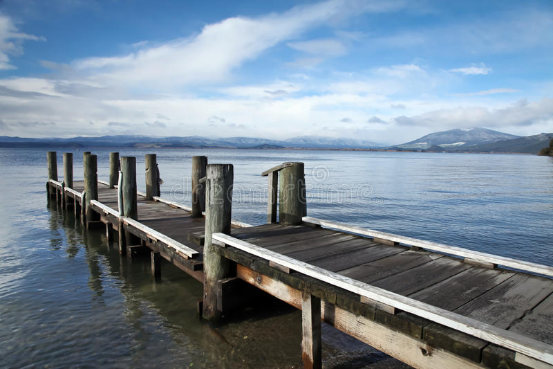 Lago Taupo Nuova Zelanda - molo di Omori immagine stock libera da diritti
