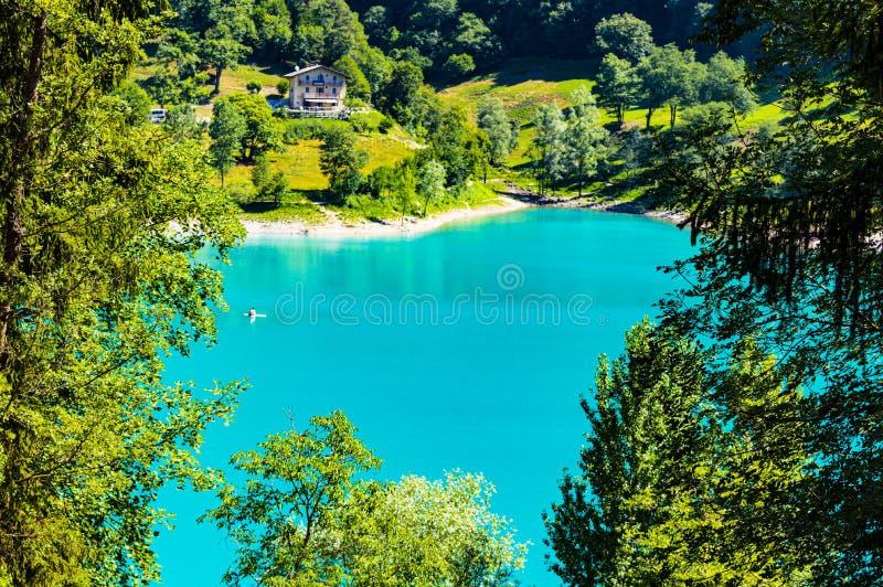 Lago Tenno en verano foto de archivo