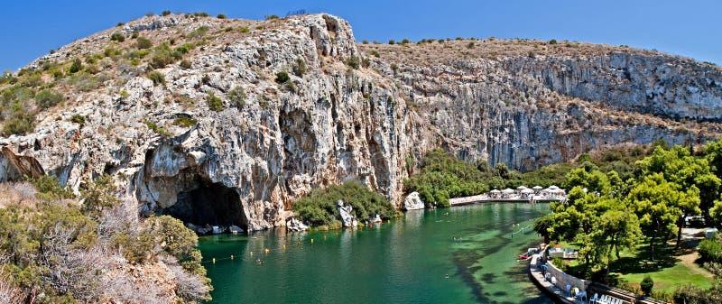 Lago termal Vouliagmeni, Athen, Grecia fotos de archivo
