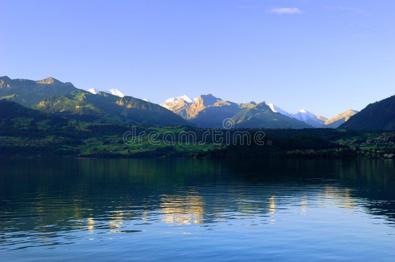 Lago Thun imagen de archivo