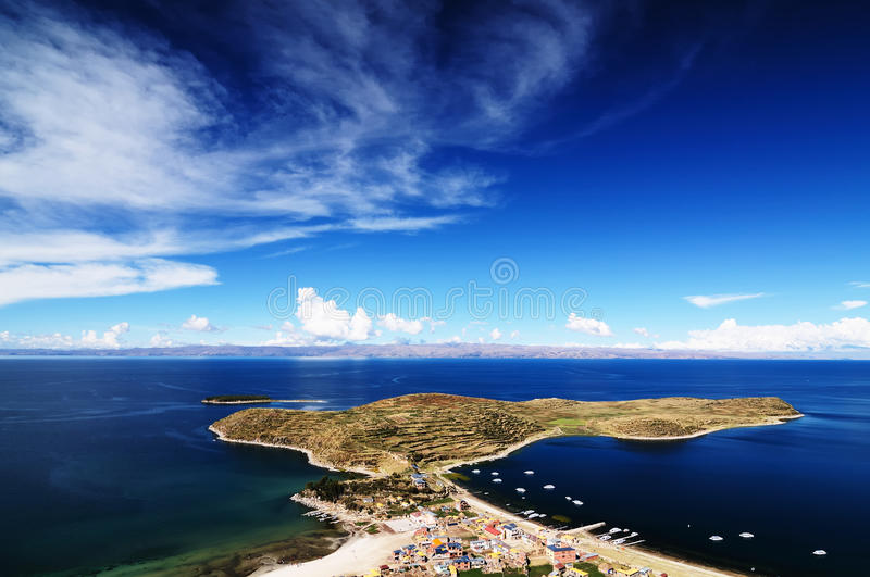 Lago Titicaca, Bolívia, paisagem de Isla del Solenóide imagens de stock royalty free