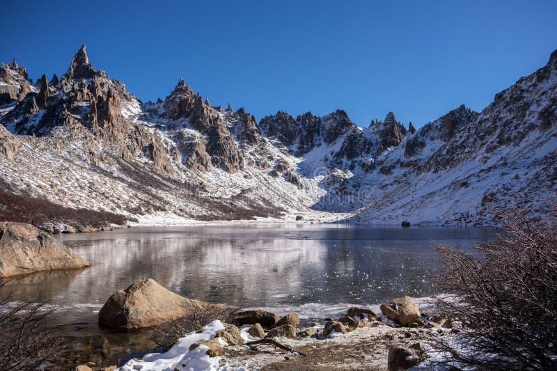 Lago Toncek en Cerro Catedral foto de archivo libre de regalías