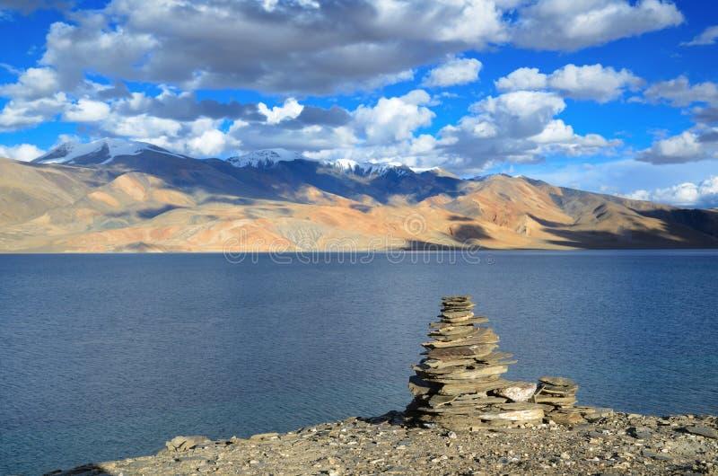 Lago tso Moriri en Himalaya fotografía de archivo libre de regalías