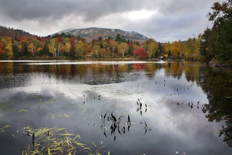 Lago Tupper, montagne di Adirondack fotografie stock libere da diritti