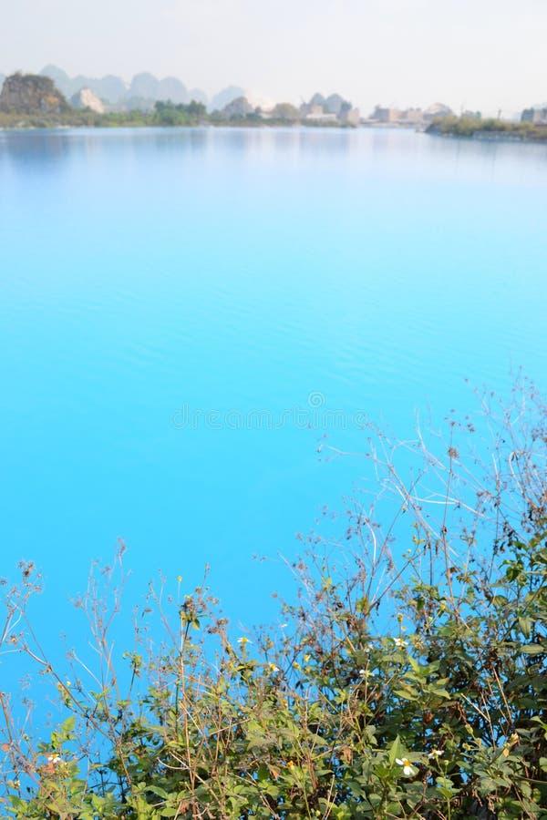 Lago tuyet Tinh Coc, lago azul del color natural en la montaña del hijo de Trai, phong de Hai, Vietnam foto de archivo libre de regalías