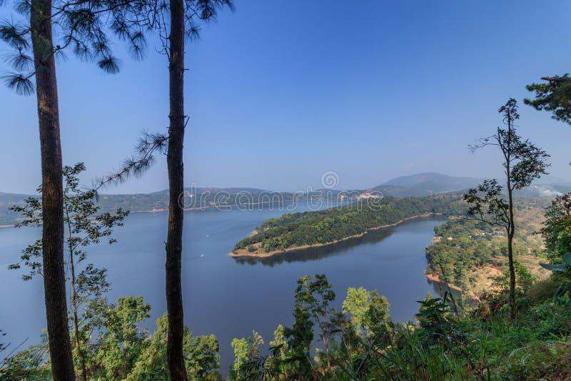 Lago Umiam (lago) Barapani, Shillong, Meghalaya, la India, Asia foto de archivo