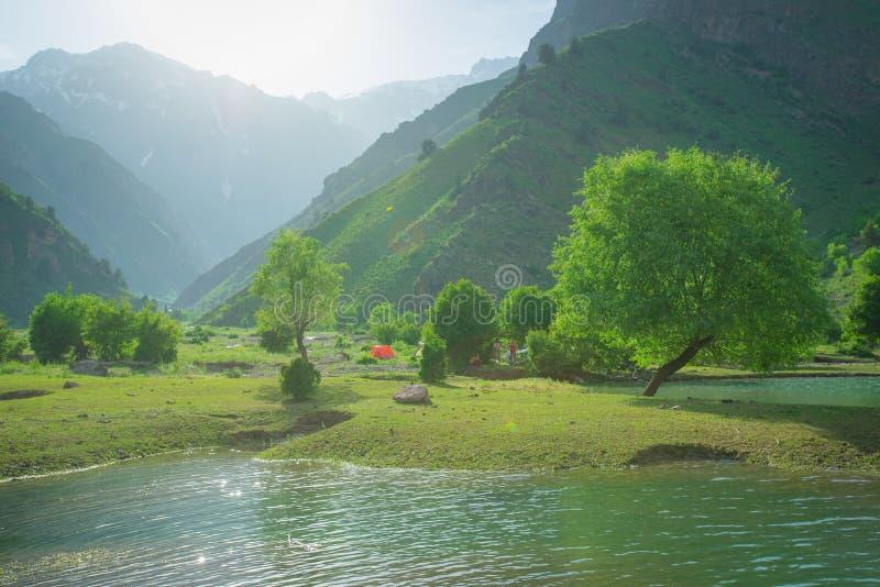 Lago Usbequistão Urungach imagem de stock royalty free