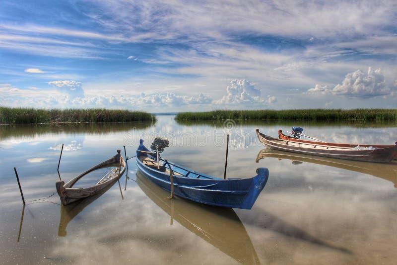 Lago viejo Yay Hkar Innn de los barcos en Myanmar fotografía de archivo
