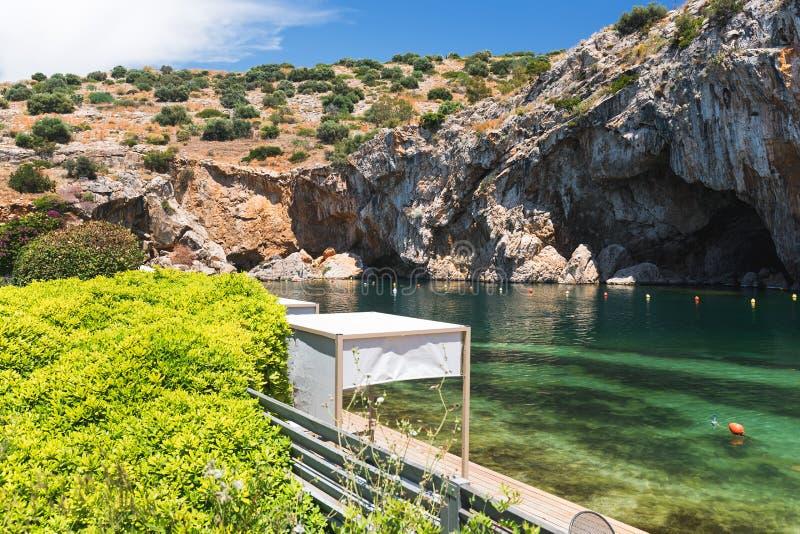 Lago Vouliagmeni, lago theramal natural de la primavera, Atenas Riviera, Grecia foto de archivo libre de regalías