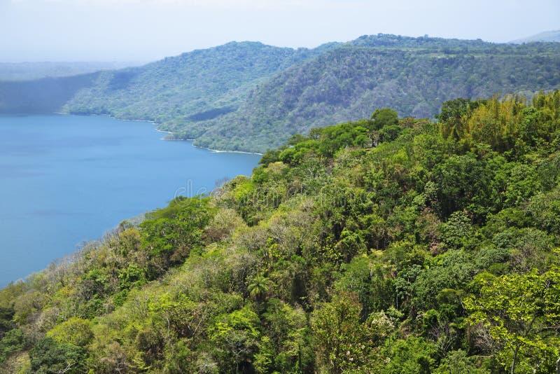 Lago vulcanico meraviglioso Apoyo del cratere fotografia stock
