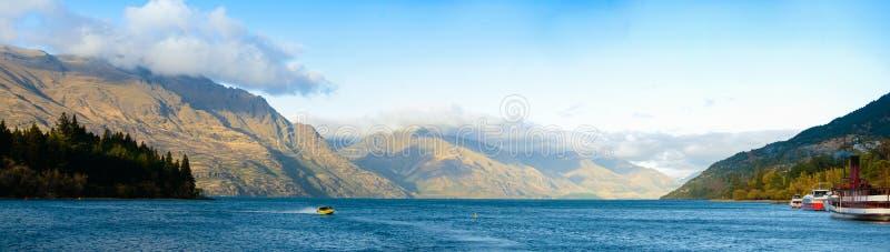 Lago Wakatipu em Queenstown fotografia de stock royalty free