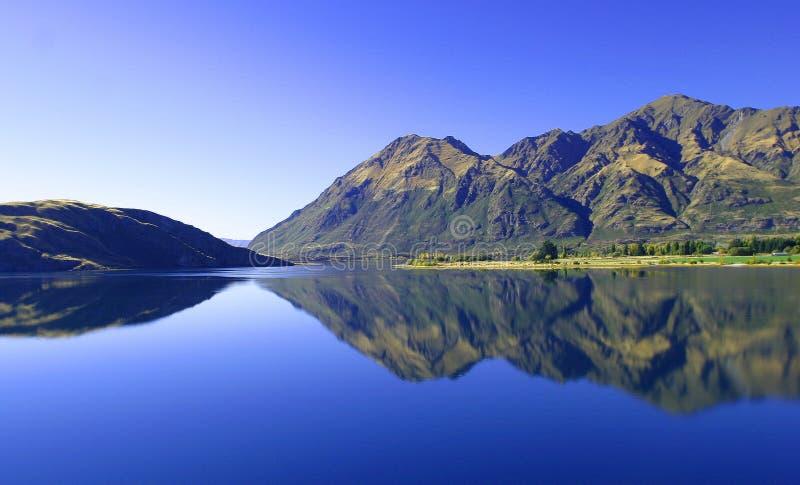 Lago Wanaka, Nueva Zelandia Imágenes de archivo libres de regalías