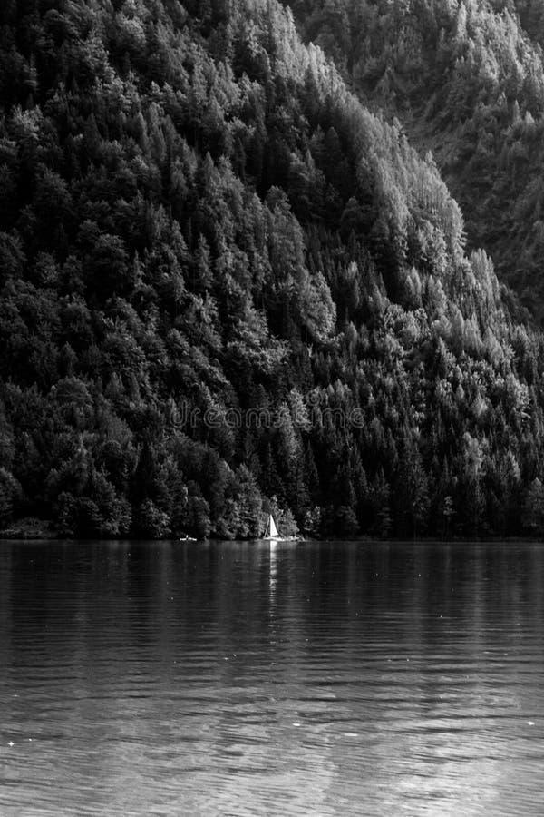 Lago Weissensee en Austria foto de archivo libre de regalías