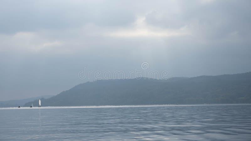 Lago Windemere em Cumbria imagens de stock