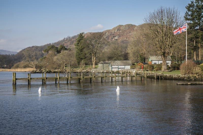 Lago Windermere cerca del embarcadero de Waterhead, Ambleside, distrito del lago, Cumbria, Inglaterra fotos de archivo