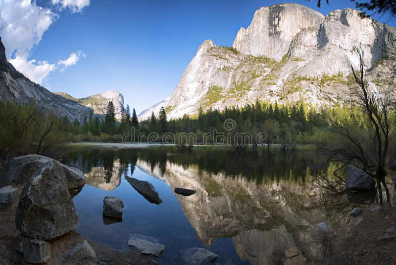 Lago Yosemite mirror fotografia de stock