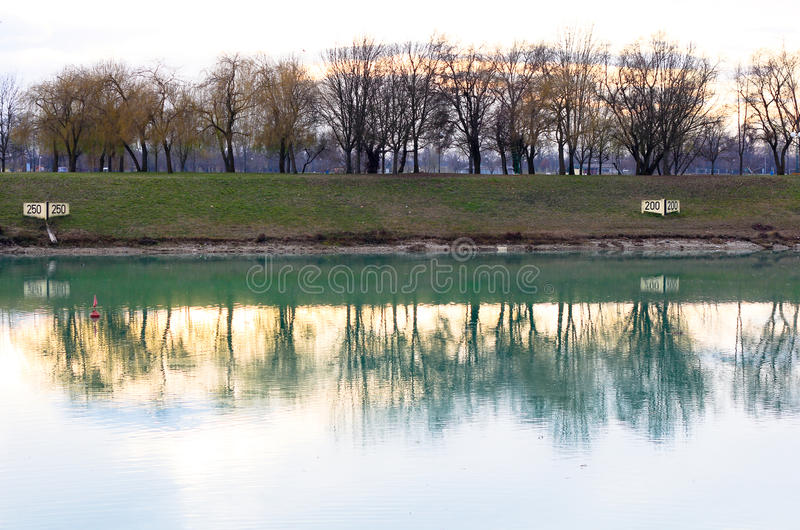 Lago Zagreb Jarun (Jarunsko Jezero) em Croatia imagens de stock