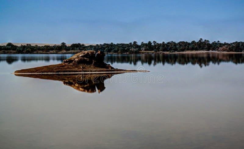 Lago Zaytun vicino all'oasi di Siwa, Egitto fotografie stock