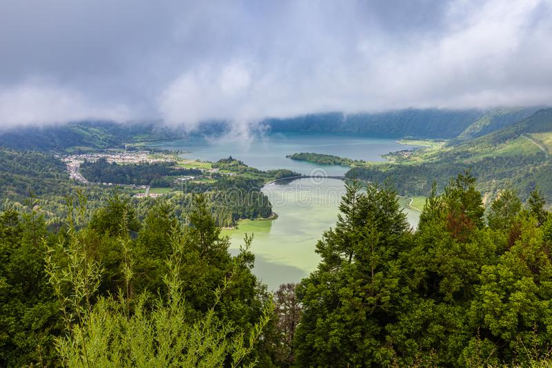 Lagoa das Sete Cidades Isla de Miguel del sao, archipiélago de Azores imagen de archivo libre de regalías