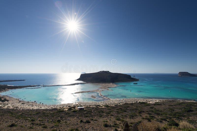 Lagoa de Balos, um paraíso e praia de relaxamento com água claro e a areia branca na ilha da Creta, uma ilha grega, Grécia imagem de stock royalty free