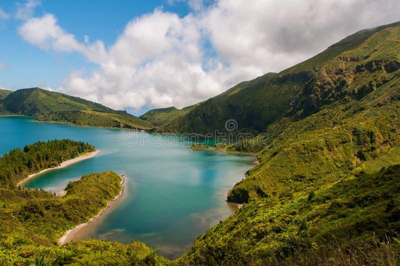 Lagoa do Fogo wordt gevestigd in Sao Miguel Island, de Azoren royalty-vrije stock fotografie