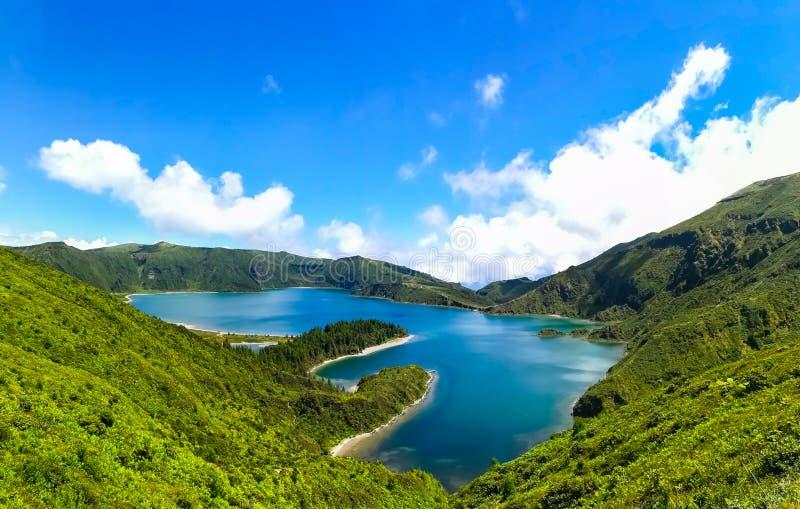 Lagoa do Fogo wordt gevestigd in Sao Miguel Island, de Azoren royalty-vrije stock foto's