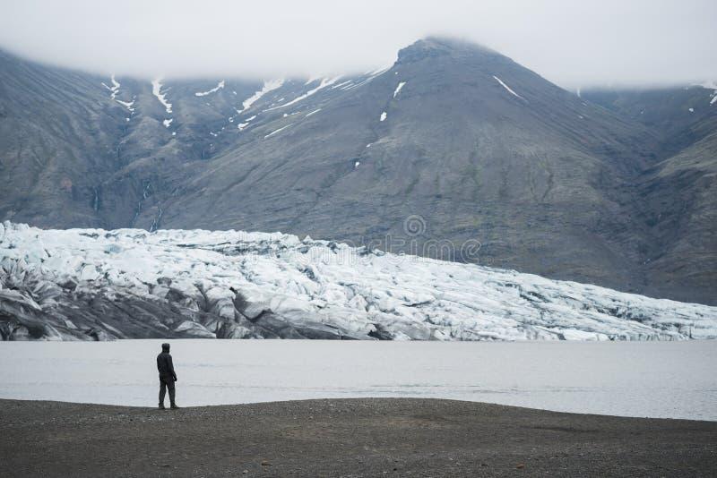 Lagoa Fjallsarlon do iceberg da geleira Vatnajokull, Islândia fotos de stock
