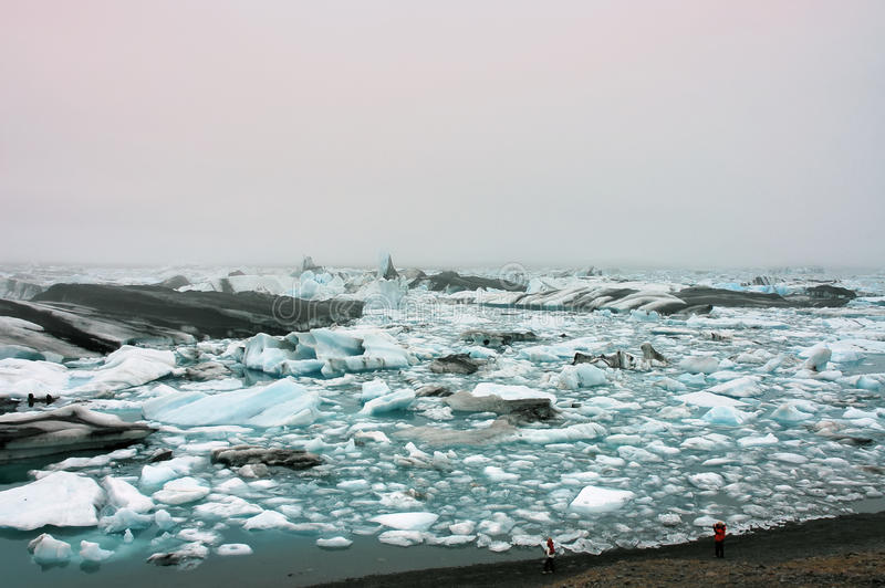 Lagoa Jokulsarlon do gelo em Islândia. foto de stock royalty free