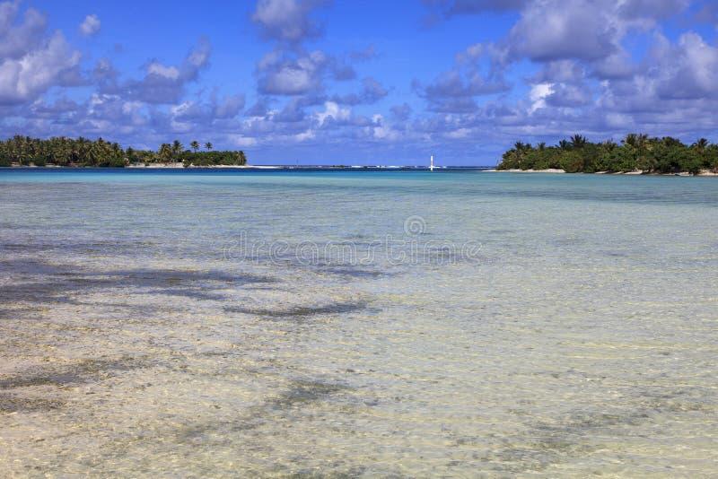 Lagoa na ilha de Maupiti foto de stock
