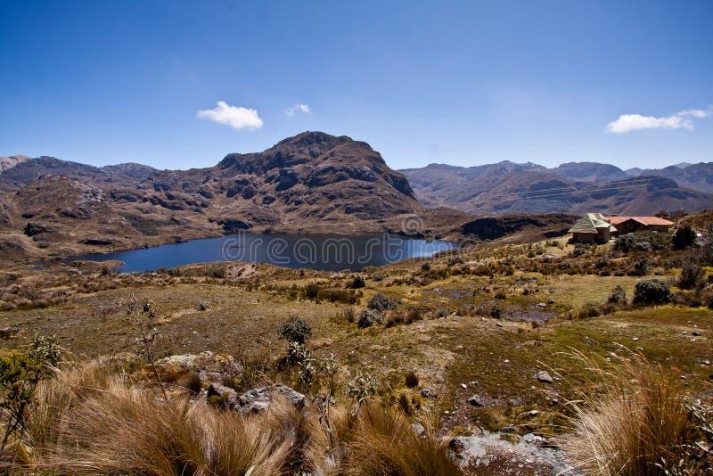 Lagoa no parque nacional de Cajas, Azuay, Equador foto de stock