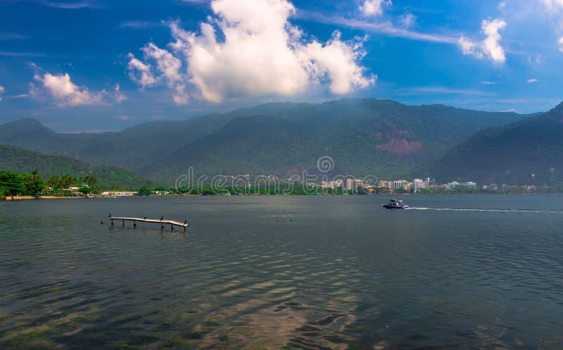 Lagoa Rodrigo de Freitas in Rio de Janeiro lizenzfreie stockfotos