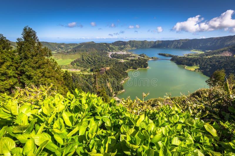 Lagoa Sete Cidades en la isla de Azores imagenes de archivo