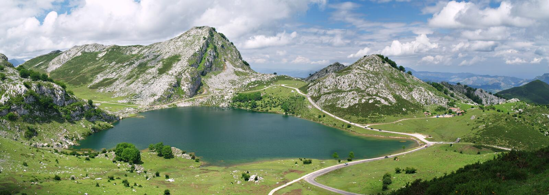 Lagos covadonga, Spain foto de stock royalty free