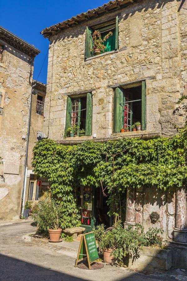 Lagrasse by, Frankrike arkivfoton