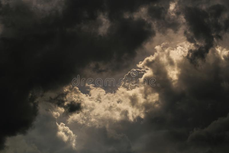 Lagret av moln för har att regna arkivfoton