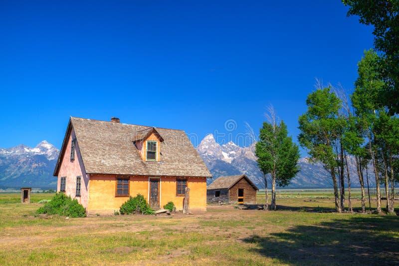 Lagret för T A Den Moulton ladugården är en historisk ladugård i Wyoming, eniga Sta royaltyfri fotografi