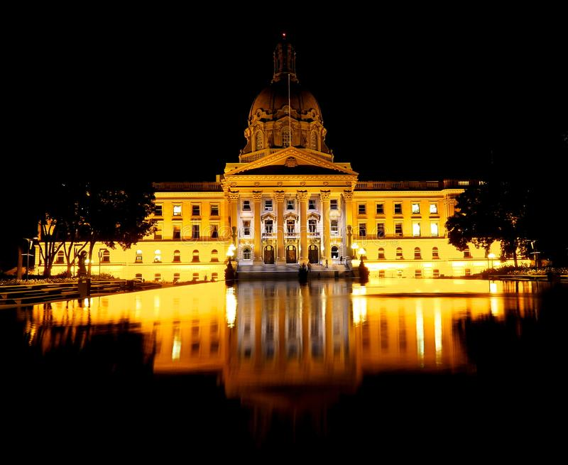 Lagstiftnings- byggnad i Edmonton Alberta Canada royaltyfri foto