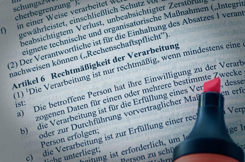 Lagtext för handling för grunddataskydd som offentlig EU-lag med betoning på samtycke och motivering för artikel 6 utan copyright arkivfoton