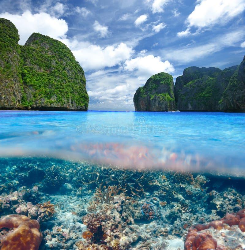 Lagun med undervattens- sikt för korallrev fotografering för bildbyråer