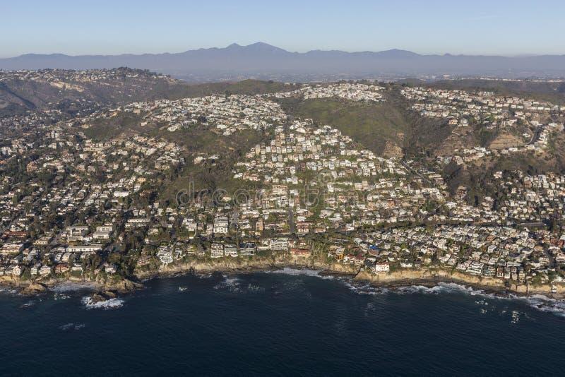 Laguna Beach-Abhang steuert Antenne automatisch an lizenzfreie stockfotos