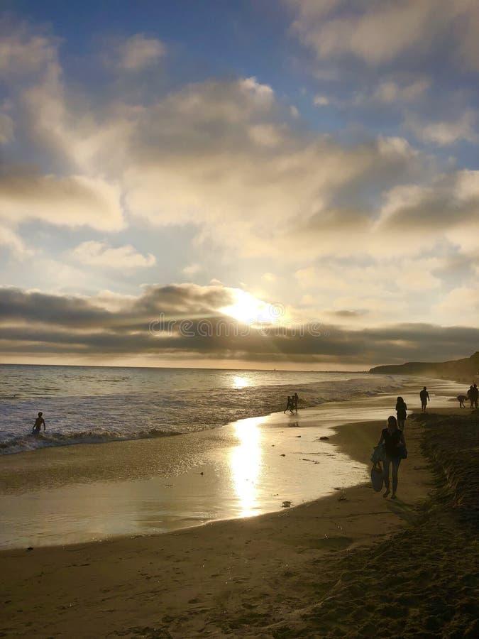 Laguna Beach Chrystal Cove på solnedgången arkivfoton