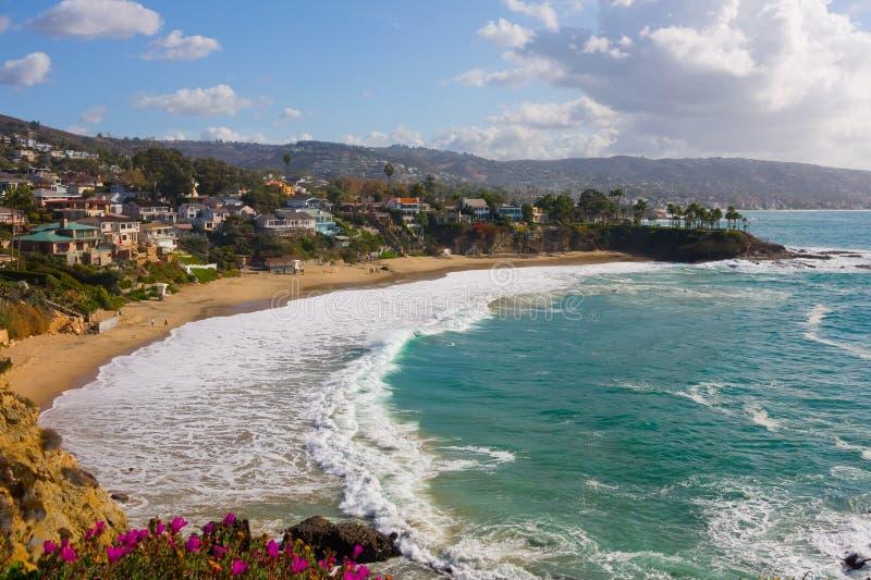 Laguna Beach, crique en croissant image stock