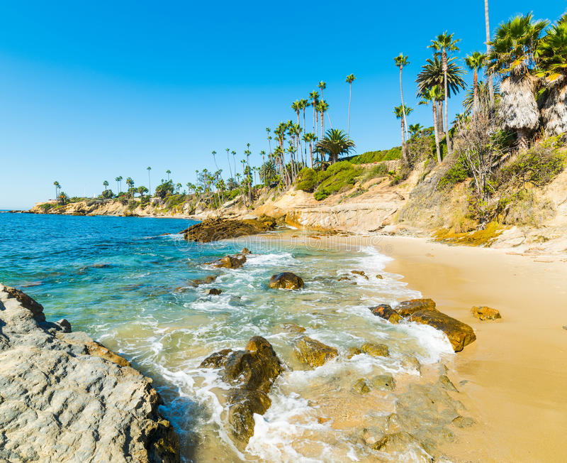 Laguna Beach-Küstenlinie lizenzfreie stockbilder