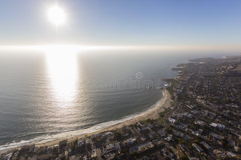 Laguna Beach-Nachmittag Sun und Küstennebel lizenzfreie stockfotos