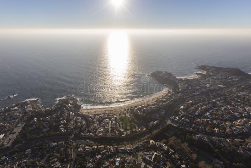 Laguna Beach szmaragdu zatoka z Popołudniowym słońcem zdjęcie royalty free
