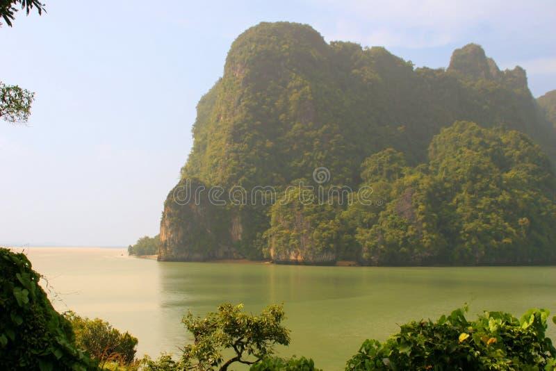 Laguna cerca a Phuket imagen de archivo