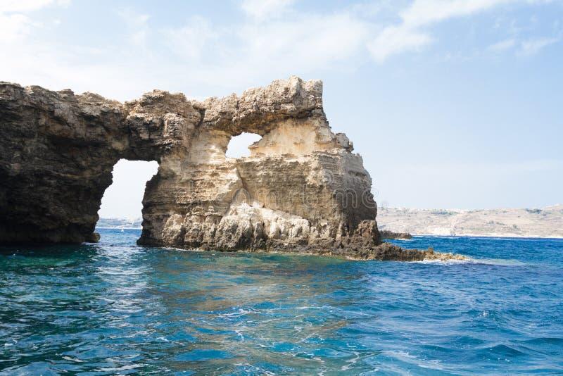 Laguna cristallina sull'isola di Comino, Malta fotografia stock libera da diritti